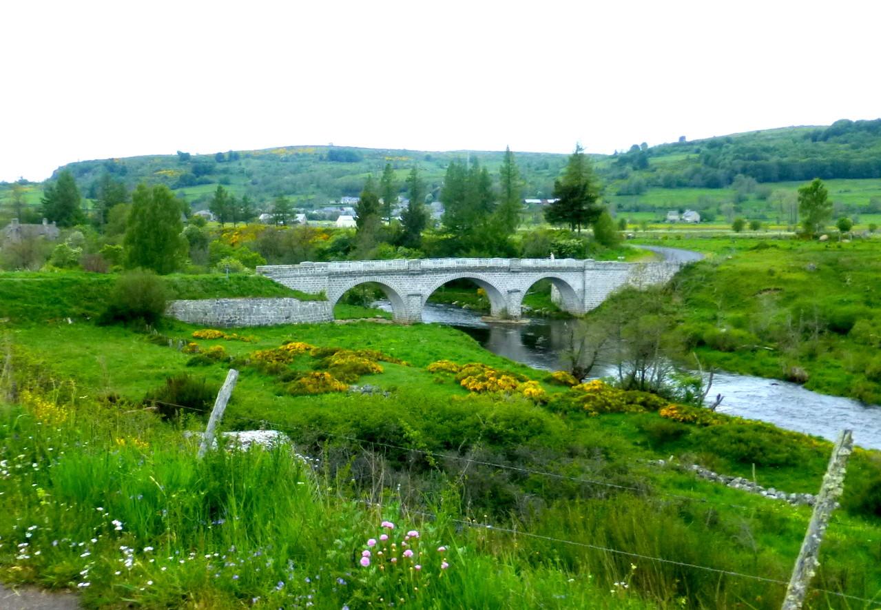 Pont sur le Bès à Recoules d'Aubrac