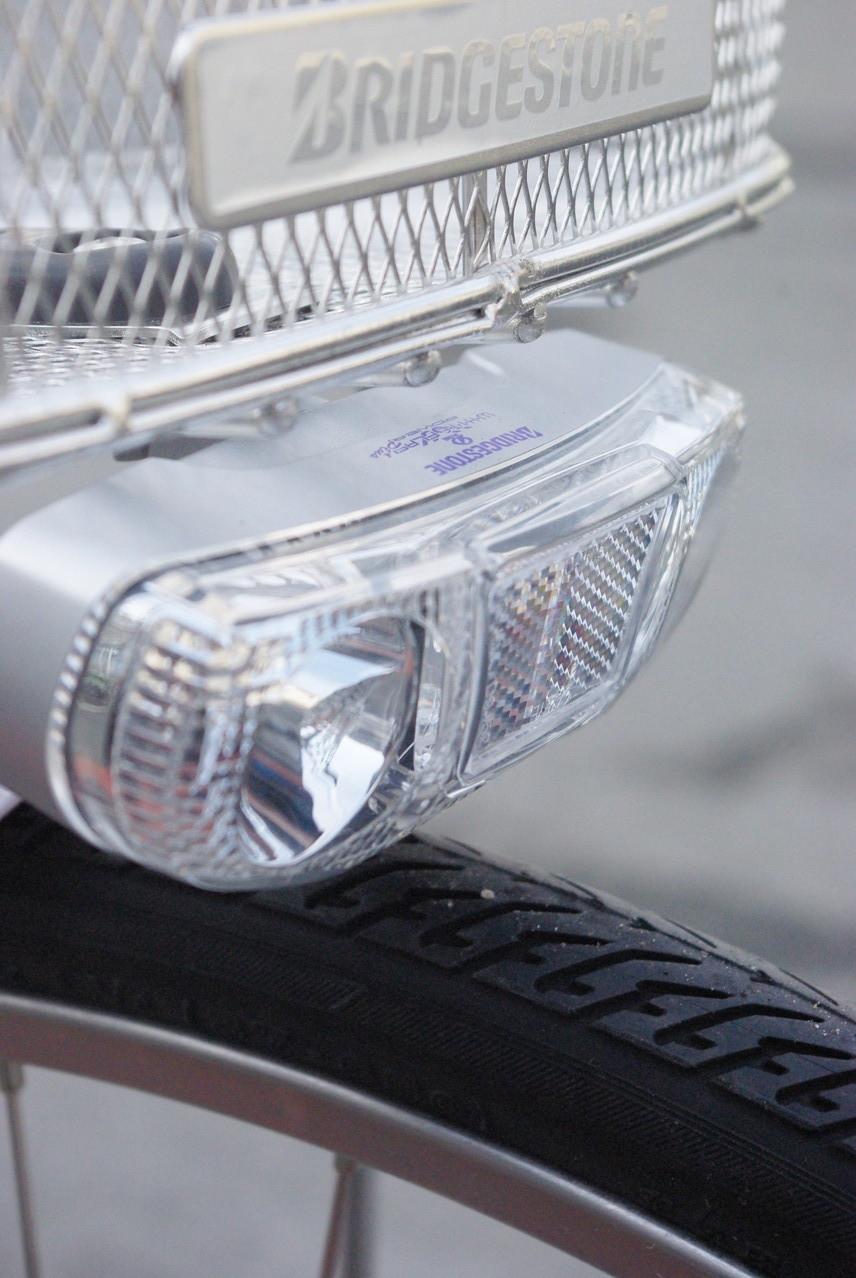 2012モデルより明るさが増したホワイトフラッシュWパワープラス点灯虫。明るさが段違いです。