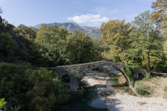Diese Brücken sehen wir seit Albanien immer wieder.