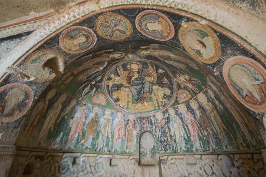 Neben unserer Höhle ist eine kleine Kirche, in der wir diese Malerei aus dem 9. Jahrhundert gefunden haben.
