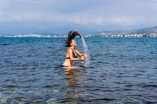 Die Knieprobleme bescheren uns einen Bade-Nachmittag in Chalkida.