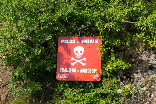 Minenwarnungen im ganzen Land.