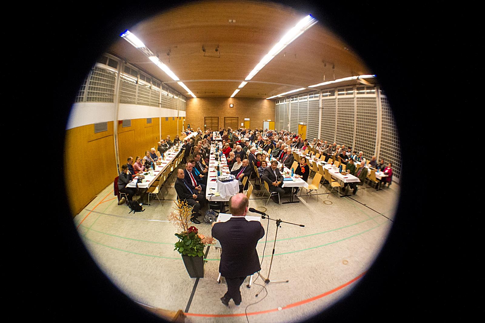 Grußworte von Bürgermeister Uwe Becker