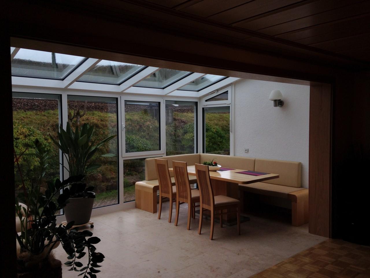 eckbank tisch mit mittelfu schreinerei holzdesign. Black Bedroom Furniture Sets. Home Design Ideas