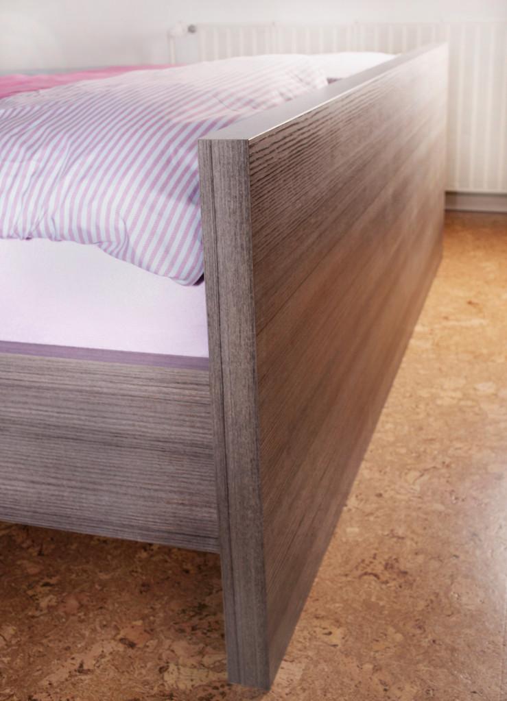 Bettfußteil, Schreinerbett nach Maß, erhöhter Einstieg