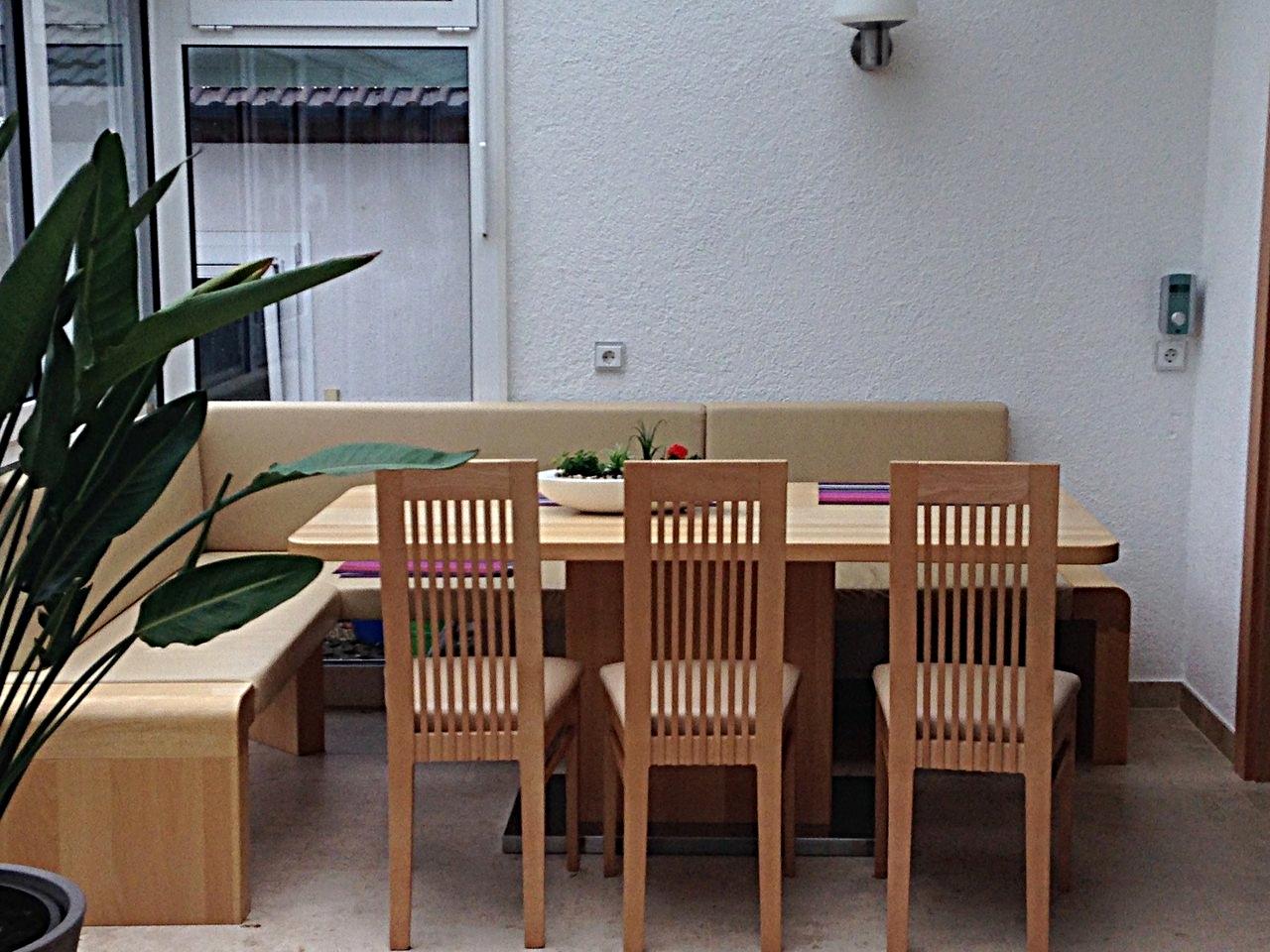 eckbank tisch mit mittelfu schreinerei holzdesign rapp geisingen. Black Bedroom Furniture Sets. Home Design Ideas