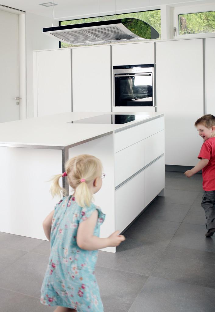 Kücheninsel mit Schubladen, Miele Inselhaube