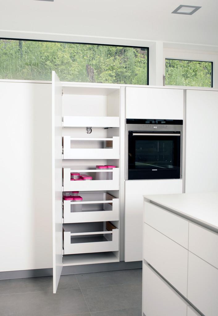 Vorratsschrank Blum Spacetower - mit Schubladen für bequemes Einräumen