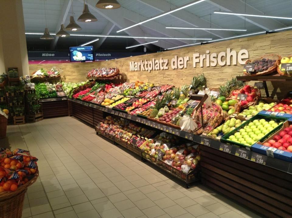 Obst und Gemüseabteilung wird gekonnt in Szene gesetzt
