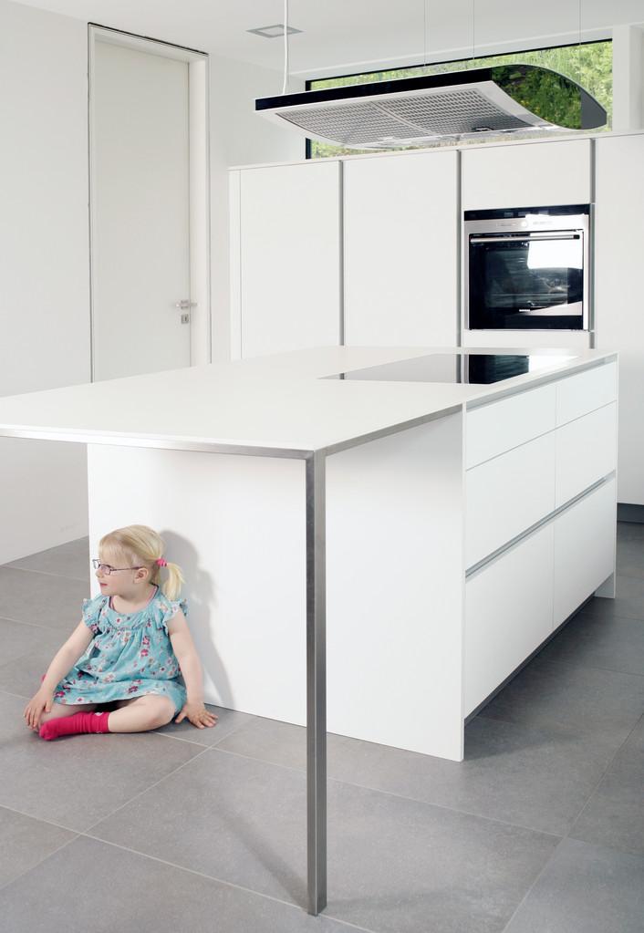 Kücheninsel mit integriertem Tisch