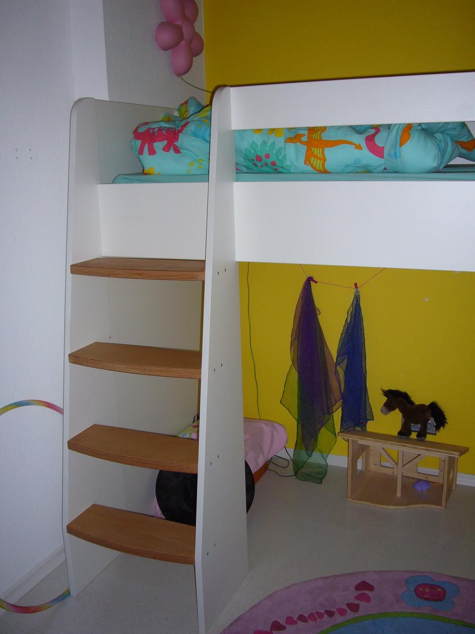 kinderzimmer hochbett schreinerei holzdesign rapp. Black Bedroom Furniture Sets. Home Design Ideas