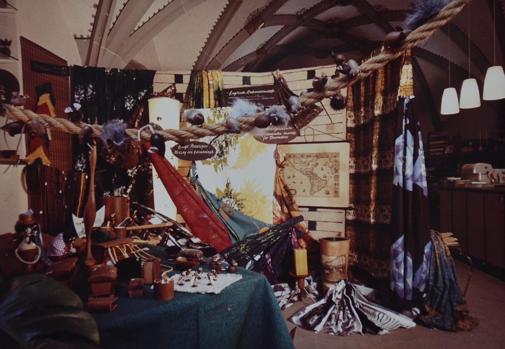 Dekoration in der Hauskapelle in den 70er Jahren.