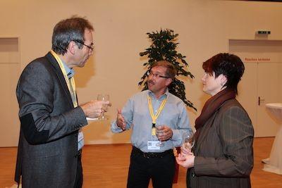 Der OGH-Vorstand pflegt einen guten Kontakt zu den Behörden der vier angrenzenden Gemeinden. Auf dem Bild der damalige OGH-Präsident Alois Muff (Mitte) im Gespräch mit Luzerns Stadtrat Ruedi Meier und Neuenkirchs Gemeindeschreiberin Andrea Stocker