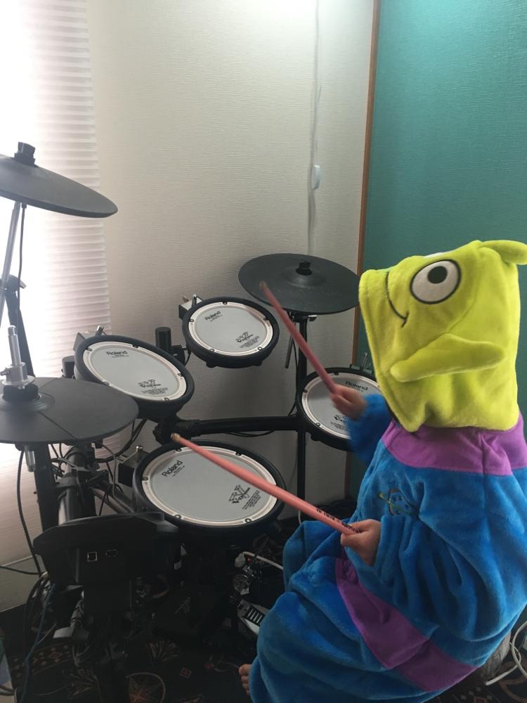 市川市キッズドラム教室を行なっています。4歳から始める事ができます。今人気のキッズドラム始めてみませんか?