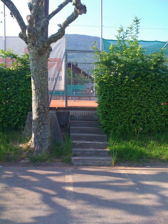 Eingang zu Platz 2 + 3