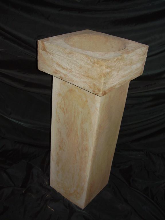 Vogeltränke auf Stele 110 /20/20 cm (Tränke 30x30)  Art.-Nr. 400s