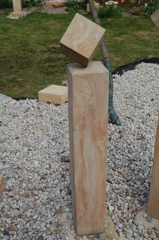 Stele (100 cm) mit Würfel (10 cm - diagonal 15 cm) 115/20/20 cm  Art.-Nr. 556s
