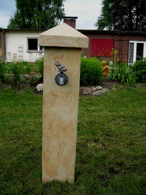 Stele (100 cm) mit Abdeckung (20 cm) und Wasseranschluss 120/20/20 cm Art.-Nr. 408s