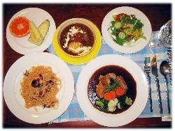 苗場スキー場近く、シャレーカスケードの夕食