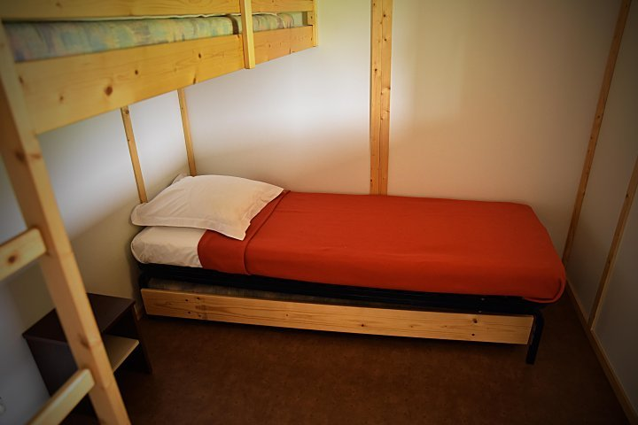 Chambre avec lit gigogne