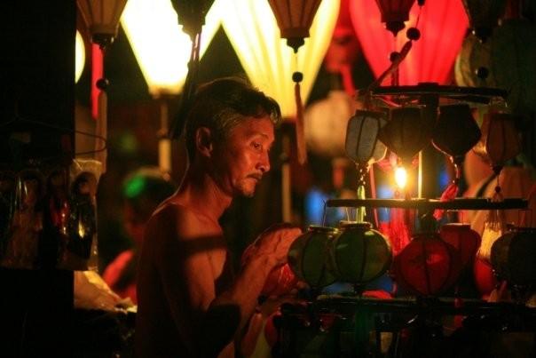 Vendeur de lampions (Hoi An, Viet Nam)