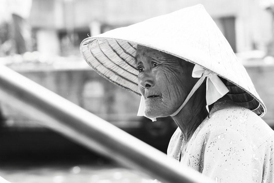 Vendeuse âgée (Mékong, Viet Nam)