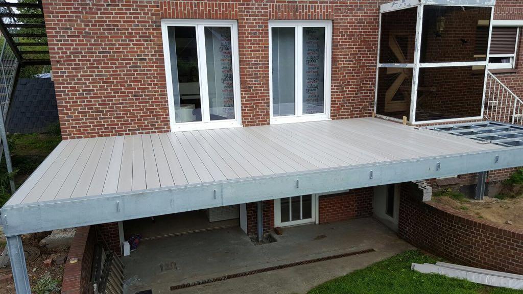 Stahlkonstruktion für Hochterrasse 8,50m x 3,50m