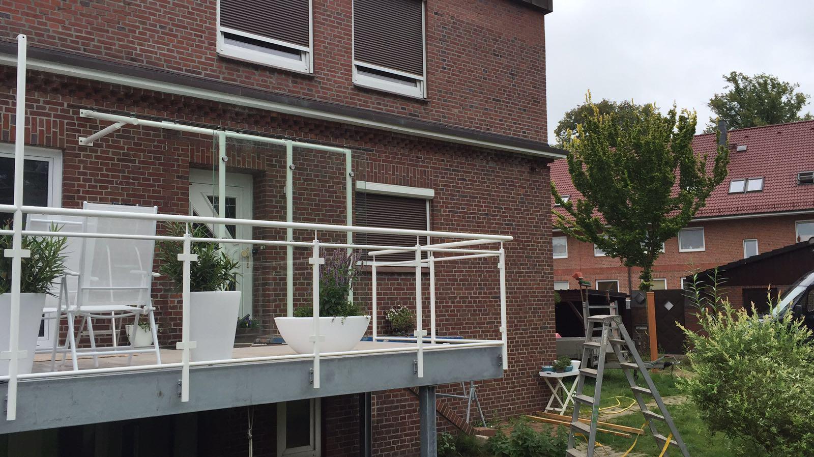 Fertigstellung Geländer mit ESG 10 mm