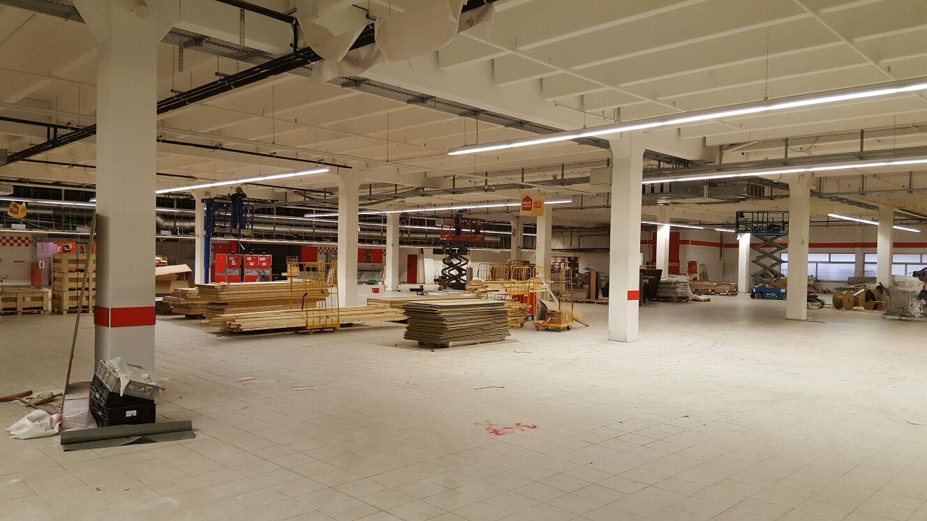 Umbauarbeiten, Fliesenarbeiten 5.500 qm Verkaufsfläche August - November 2016