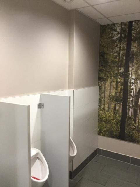 Kunden-WC im Herold Center, Nachher // Wandgestaltung 2017