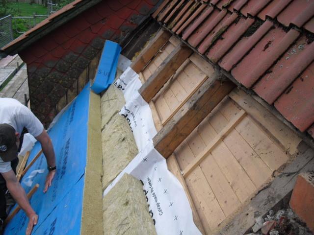 ernergetische Sanierung eines Altbaudaches mit Steinwolle und Aufdachdämmung