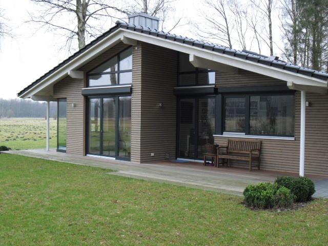 schlüsselfertiger Neubau in Holzrahmenbauweise mit Lärchenholzfassade