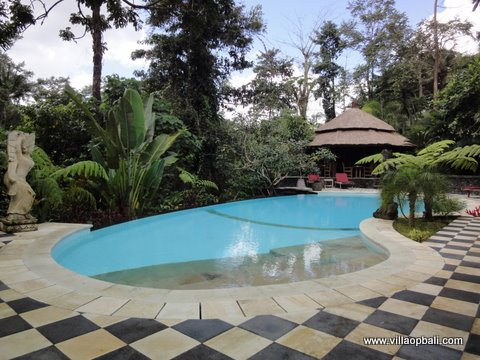 4 bedroom villa, Indonesian style located in Tabanan.