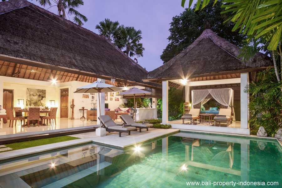 Seminyak 2 bedroom villa for sale in a commercial resort.