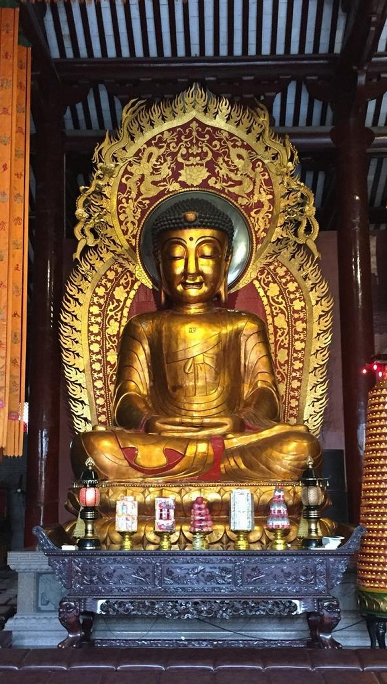 Big Buddha Temple, interior