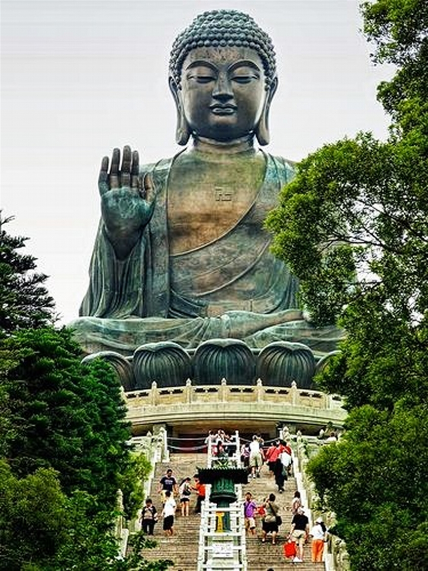 1 of several Big Buddhas around Guangzhou