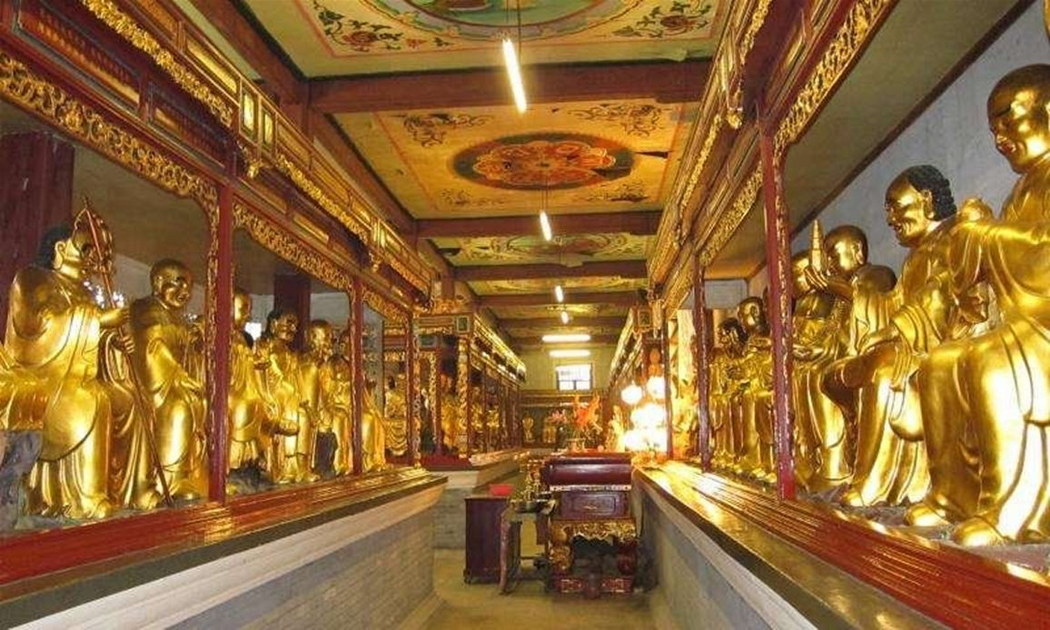 Hualin Temple: 1000 Buddhas