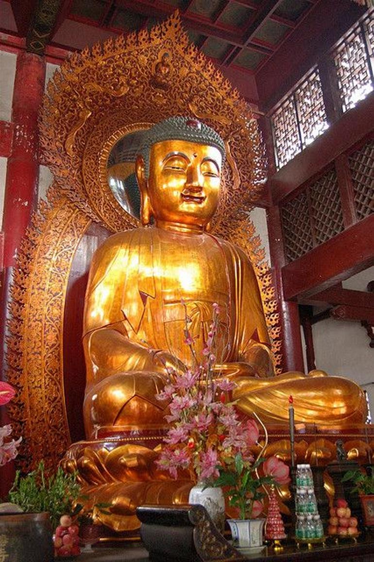 Six-Banyan-Tree (Liurong) Temple, inside