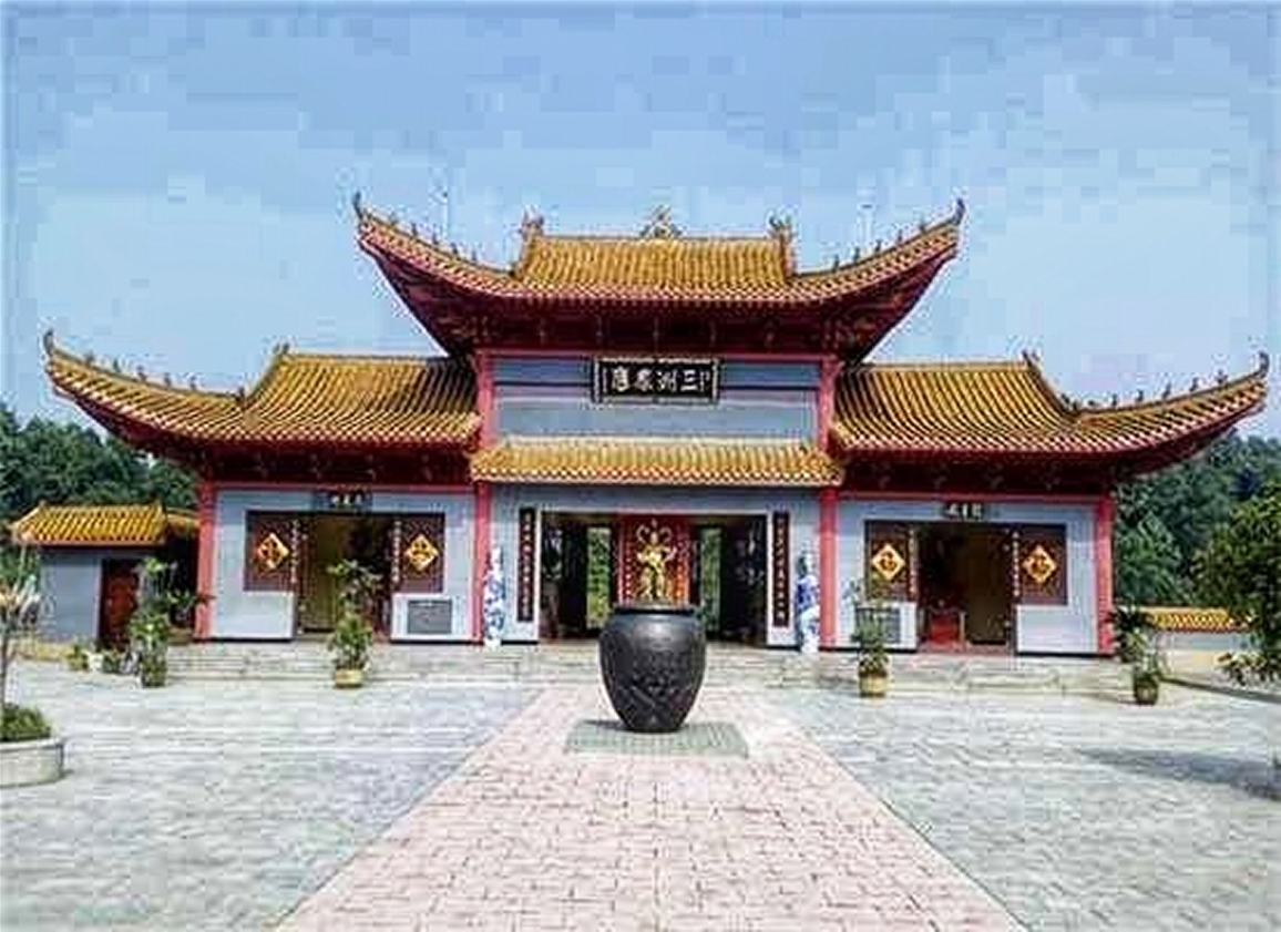 Hualin Temple (20min)