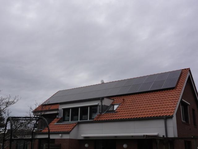 9,156 kWp Sunpower mit Solaredge Wechselrichter inkl. 8 kWh Pb Speicher SENEC.IES und BHKW Viessmann in Hohen Neuendorf