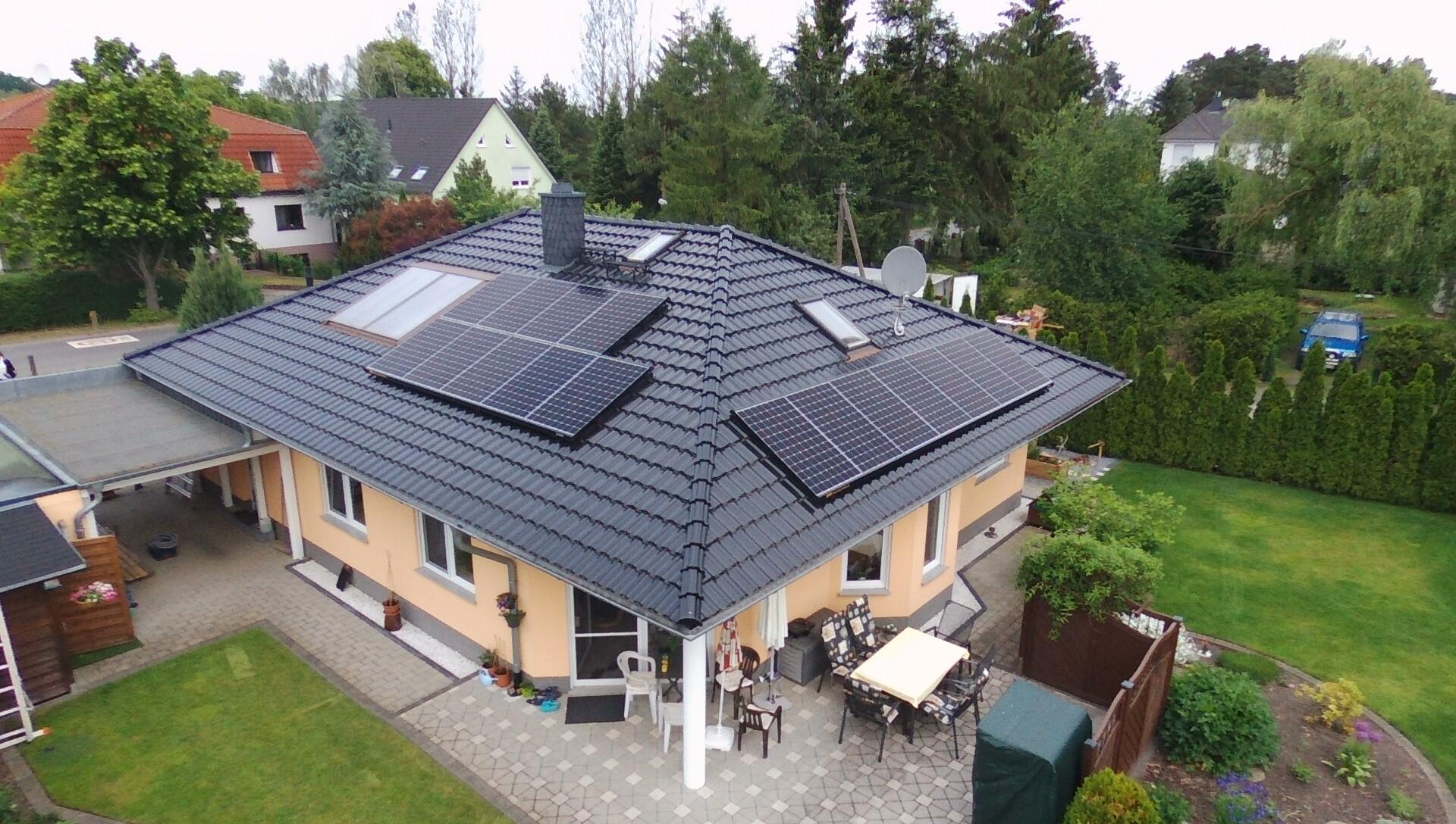 5,76 kWp Sunpower X22 360W Module Süd/Ost Süd/West, Solaredge Wechselrichter inkl. 5 kW Senec Speicher und Cloud 2.0 in Bestensee bei Berlin