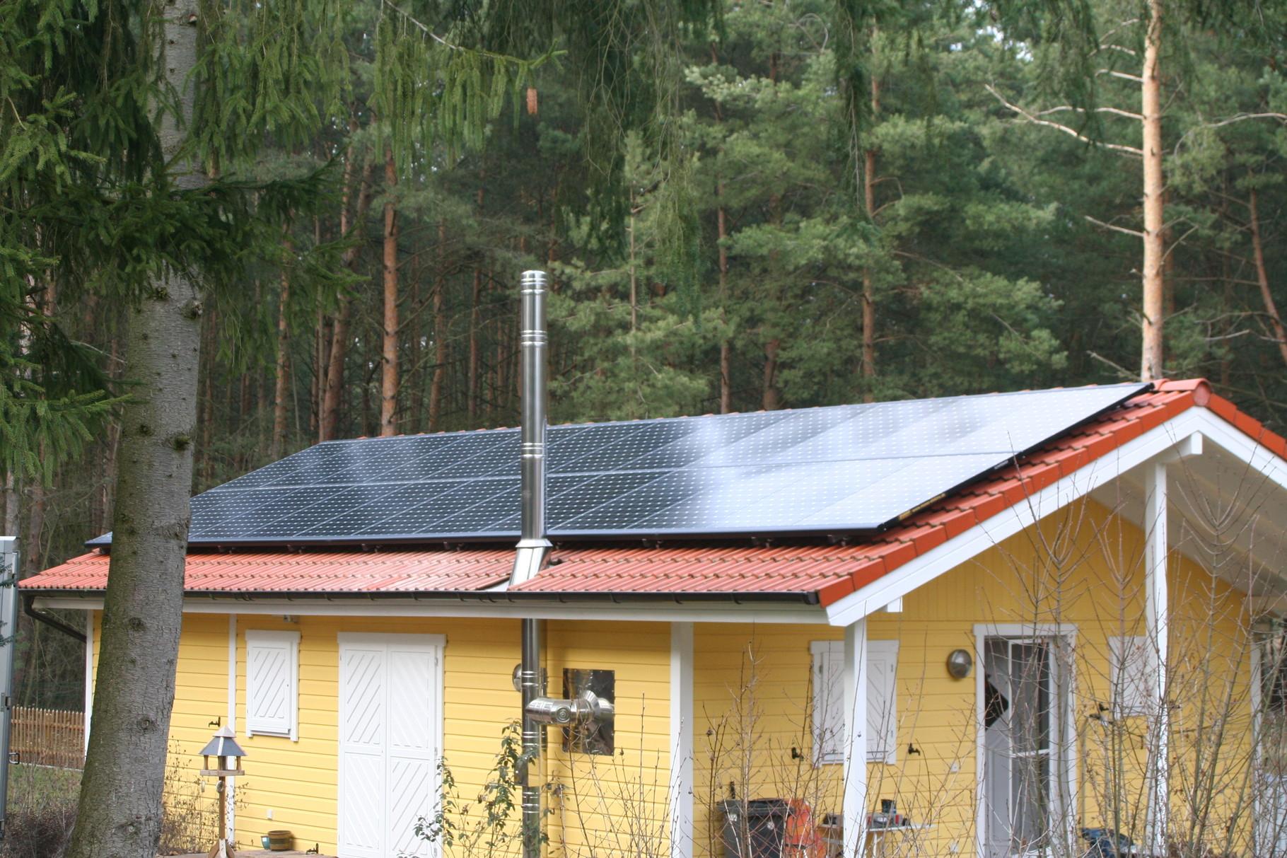 7,848 kWp Sunpower Süd/West mit Solaredge Wechselrichter inkl. 8 kWh Pb Speicher SENEC.IES, Wärmepumpe in Wendisch Rietz