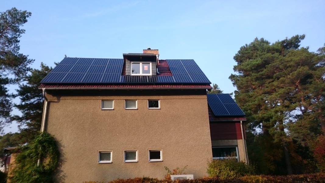 8,502 kWp Sunpower mit Solaredge Wechselrichter, 8 kWh Speicher G2 inkl. EconamicGrid, Viessmann Wärmepumpe in Berlin