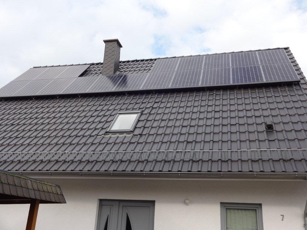 11,45 kWp Ost/West Belegung, Sunpower mit Solaredge Wechselrichter in Rostock