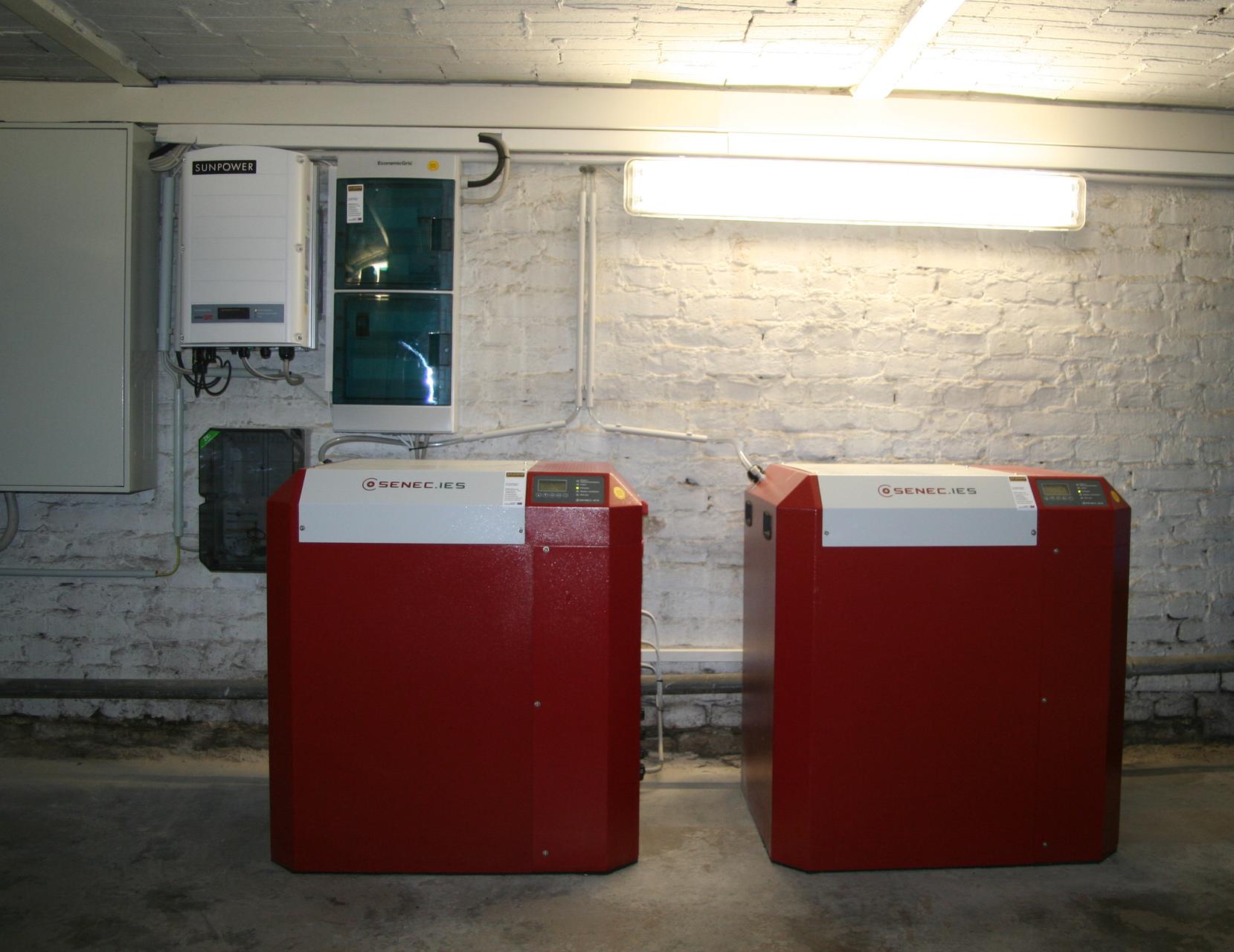 2x 8 kWh Pb Speicher SENEC.IES mit EconamicGrid in Berlin