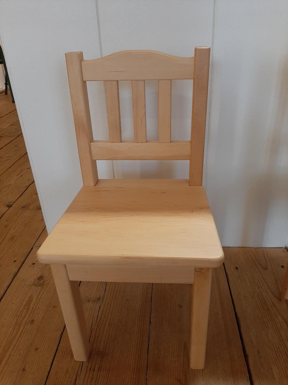 Beuken stoeltje incl  naam € 42,50