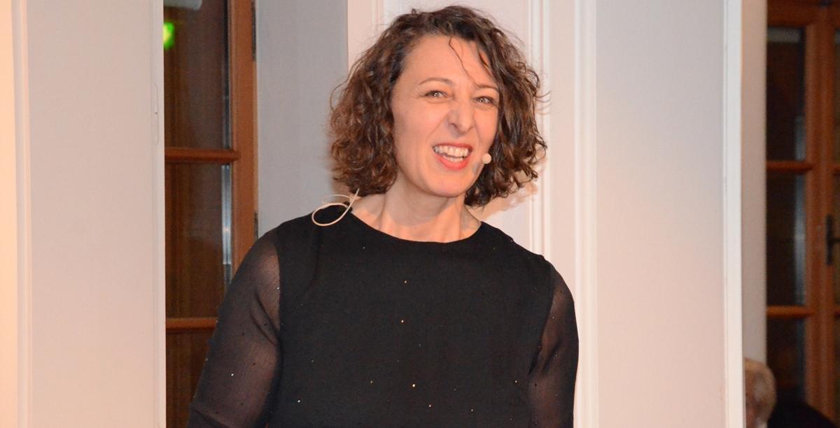 Helga Graef beim erzählen