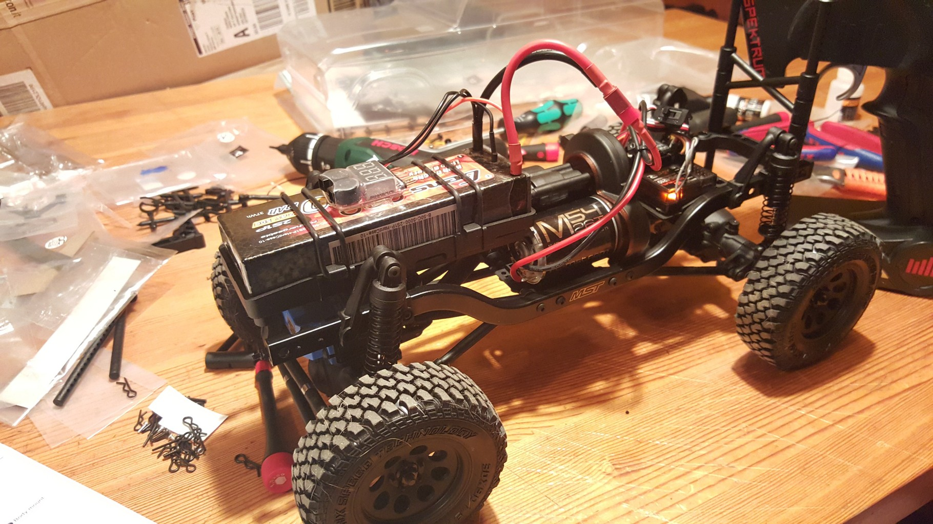 MST CMX - Fertig aufgebautes Chassis