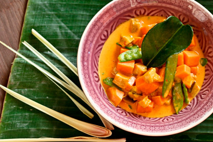 Gelbes Curry mit Süsskartoffeln und Auberginen