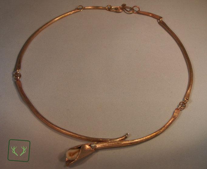 Grandelcollier aus Bronze gefertigt mit kleinem champagnerfarbenen Brillanten